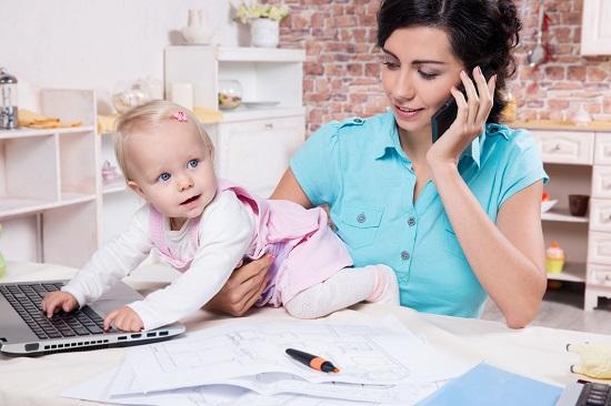 Podnikající maminky na mateřské mohou získat podporu v Komerční bance