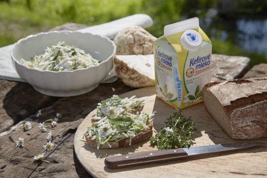 Celerový salát s Kefírovým mlékem nízkotučným z Mlékárny Valašské Meziříčí