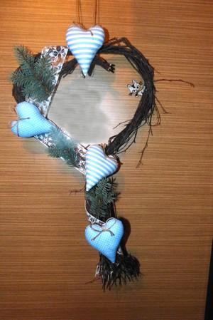 Vánoční tvoření - dekorace se srdíčky