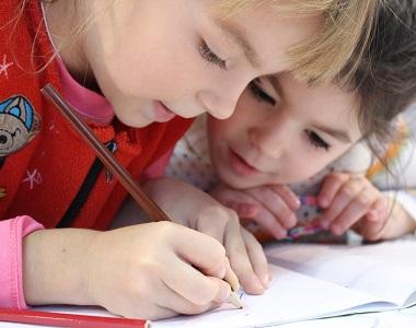 Co dítě v první třídě čeká?