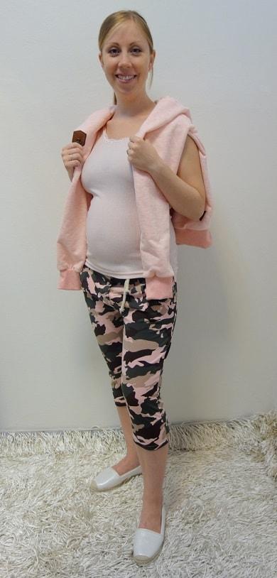 Těhotenské oblečení - tříčtvrteční kalhoty s tílkem, mikinou