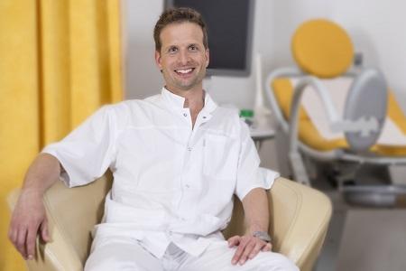 MUDr. Marcel Štelcl -vedoucí lékař kliniky